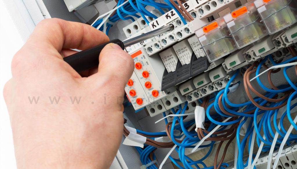 مدار الکتریکی رله - رله زمانی